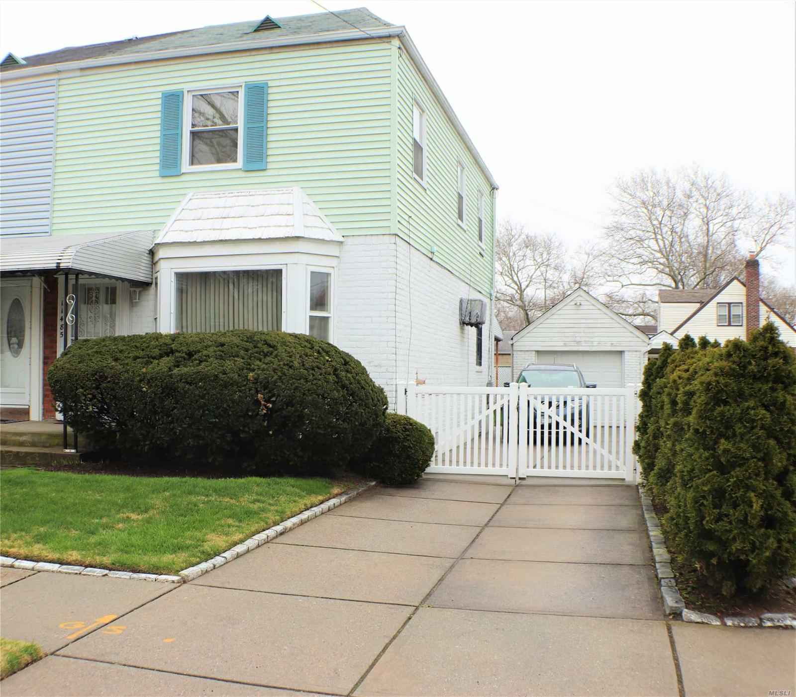 cambria heights The new york times has 6 homes for sale in cambria heights, queens find the latest open houses, price reductions and homes new to the market with guidance from experts who live here too.
